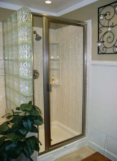 framed-shower-door-04