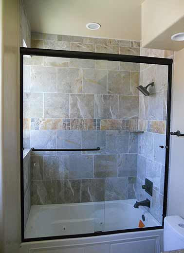 framed-shower-door-10
